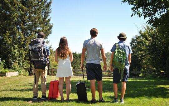 Les voyageurs parés pour l'été selon les études Booking